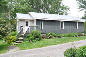 3 Cottages to choose from - in White Lake - 45min west of Ottawa