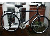 "*RALEIGH 19"" FRAME 700c HYBRID BIKE - 18 SPEED WITH MUDGUARDS & RACK - CLEANED & SERVICED - MINT!*"