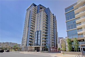 ***Welcome to Riverfront******1 B plus den + 1 B Condo***