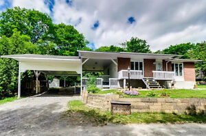 Charming 3-bedroom property located in a wooded landscape!