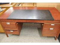 SALE NOW ON!! Solid & Sturdy Office Desk - Can Deliver For £19
