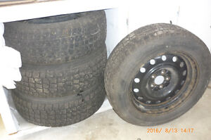 Winter tires on 4 rims Nissan Rogue Strathcona County Edmonton Area image 1
