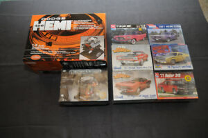 Assorted Chrysler toys/diecast/signs/enines