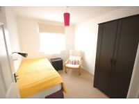 Room to Rent in Caversham £350 p/month with Parking
