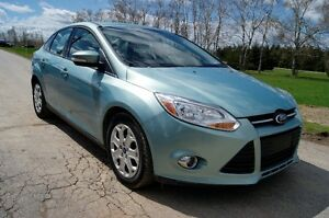 2012 Ford Focus SE low payments 6 speed Sedan