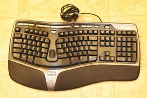 MICROSOFT Natural Ergonomic Keyboard 4000; USB