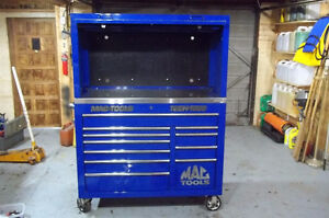 Mac Tools Tech 1000 with hutch and stainless counter top