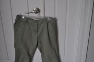 Pantalons chino marque Tommy gr 8