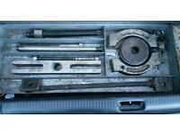 Sykes 932 bearing puller set. Very heavy duty