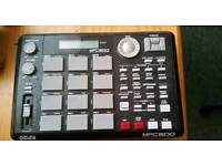 AKAI MPC 500 with 128mg Flash Card