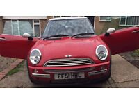 MINI Hatch 1.6 Cooper 3dr, very low warranted millage