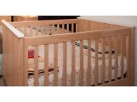 Mamasandpapas cot bed very good condition