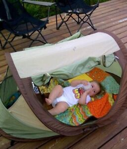 Kidco Peadpod Plus travel bed / tent for ages up to 5 years