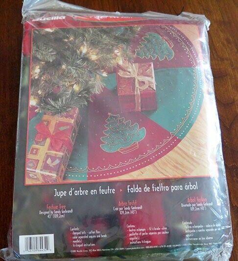 "Plaid BUCILLA FESTIVE TREE Skirt CHRISTMAS Felt Applique Craft Kit 43"" NEW"