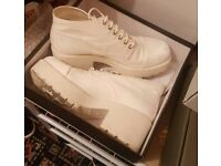 Size 7 white vagabond canvas boots