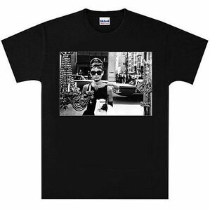 Breakfast-at-Tiffanys-Audrey-Hepburn-WINDOW-T-Shirt-New-Black-or-White