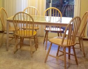 6 Pine Dining chairs and table