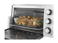 BRAND NEW MINI OVEN - DELONGHI E12012W - ELECTRIC MINI OVEN - BOXED - COST £89.99 - ACCEPT £50