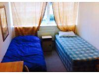 Large twin room to rent near elephant castle SE17 near borough tower bridge mid October