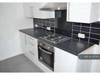 2 bedroom house in Maxwell Road, Southsea, PO4 (2 bed)