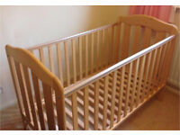 Mamas and Papas cot/bed - VGC