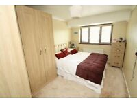 ROOMS AVAILABLE IN BEAUTIFUL HOME HIGH WYCOMBE