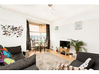 3RD FLOOR 2 BEDROOM FLAT/RECEPTION/GOOD SIZED BATHROOM/LOVELY BALCONY