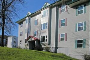 Parkwood / 3 BR / $735 / On Bus Route / H + HW