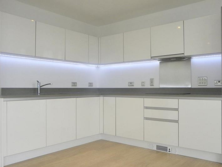 PARK HEIGHTS - Majestic views in this towering 2 bed in Stockwell