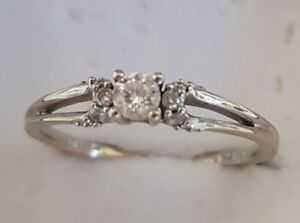 0.10 CT diamond accent 10k white gold promise ring