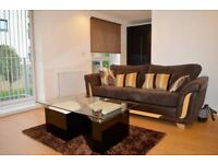 Lovely flat available in few minutes walk to Bristol University, Queens Square