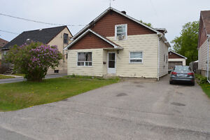 Duplex with great income potential