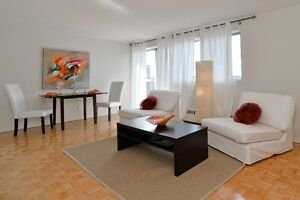 Bachelor suite from $929 - Downtown - Oct 1 move-in