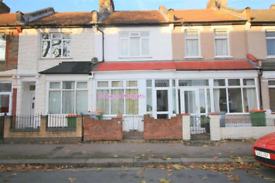 Lovely 2 Bedroom House to rent in East Ham