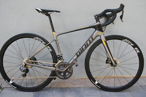 2016 Giant Defy Advanced Pro 1, Di2 and Hydraulic Disc Brakes