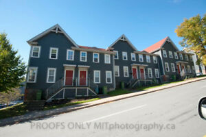 3 Bedroom Townhouse in Great Bedford Location Available August 1