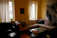 61/2 Sunny Plateau Mont Royal Area... Great for Students