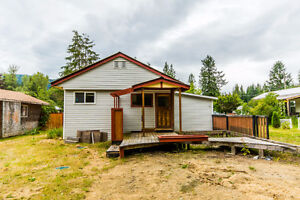 421 Elliott Crescent, Sicamous - Why Rent When You Can Own!
