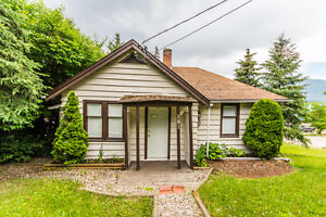 181 Shuswap St, SW Salmon Arm - Great Starter Or Retirment Home