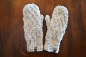Mitaines en laine doublée polar, North face, presque NEUVES