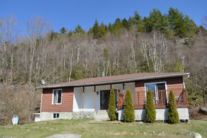 Perfect Small House in Country close to Skiing, Nature, + VIEWS West Island Greater Montréal image 2