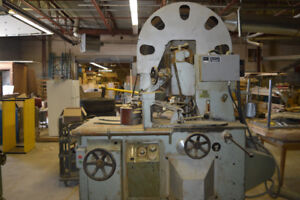 RE SAW MACHINE FOR WOOD WORKING FOR SALE