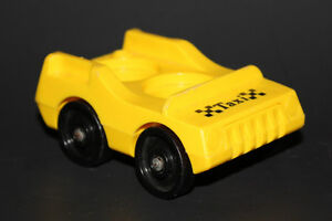 Vintage FISHER PRICE Little People TAXI 2500 Main Street