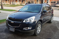 2011 Chevrolet Traverse 2LT SUV, Crossover