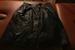 Womens leather skirt size small/medium great for halloween