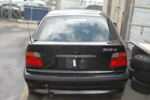 C BMW e36 318ti 1996 M44 4 cylinder with PP hatchback Black on T West Island Greater Montréal image 3