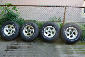 4-235/75R15 Tires and Rims for Ford