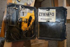 Lot d'outils électriques
