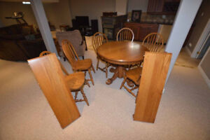Solid Oak Kitchen Table and 6 chairs