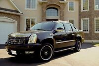 2009 Cadillac Escalade Ext - 22s, Nav, Sunroof, Box Cover